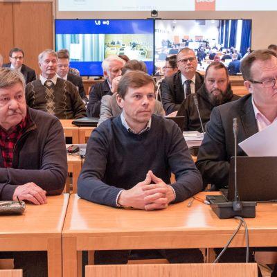 Kittiläläisiä kuntapäättäjiä Lapin käräjäoikeudessa syyskuussa 2018.