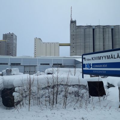 Loimaan kiven teollisuushalli
