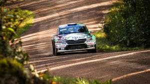 Emil Lindholm kör FM-serien i rally