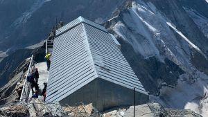 Vuoristomaja Alpeilla