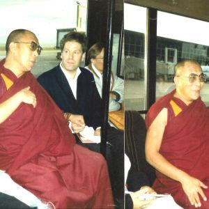 Jan Olof Mallander yhdessä Dalai Laman kanssa.