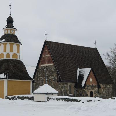 Tuuloksen keskiaikainen kivikirkko