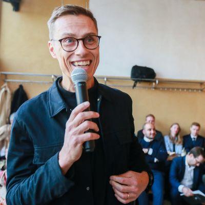 Alexander Stubb esitteli vaaliohjelmaansa Brysselissä 17. lokakuuta.