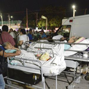Tiotal doda i jordskalv i mexiko
