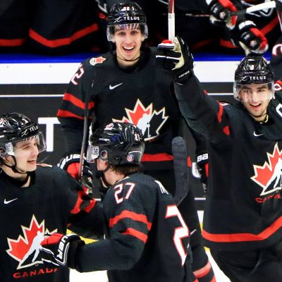 Kanada nousi kahden maalin takaa maailmanmestariksi