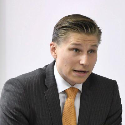 Samlingspartiets Antti Häkkänen.