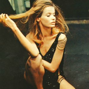 David Hemmings ja Veruschka, valokuvaaja ja malli, Michelangelo Antonionin modernissa elokuvaklassikossa Blow-up (1966).
