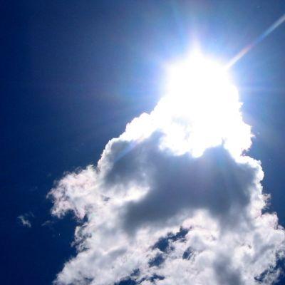 Sol och moln.