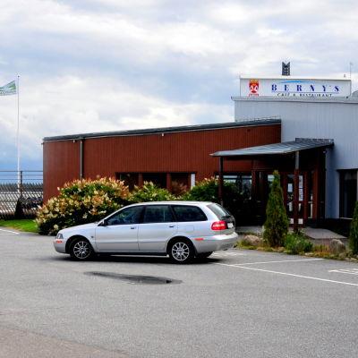 """På parkeringen framför restaurang Berny's ska """"Världsarvsporten"""" byggas"""