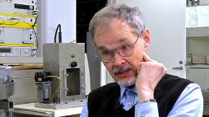 Tutkimusprofessori Kari Jokela