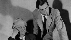 Professor Auguste Piccard, förebilden till Hergés professor Kalkyl, här tillsammans med sin son Jacques Piccard.