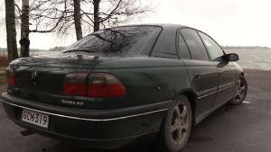 Opel Omegan vm 1998 arvo heitteli kuin osakemarkkinoilla.