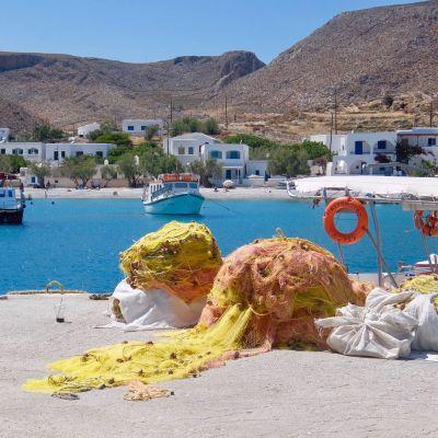 fiskenät på brygga i Grekland
