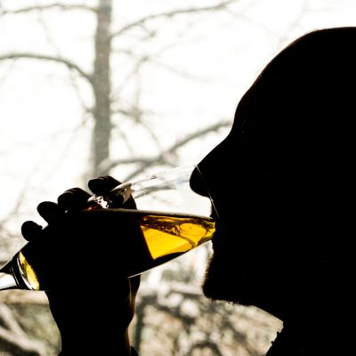 Alkoholismi.
