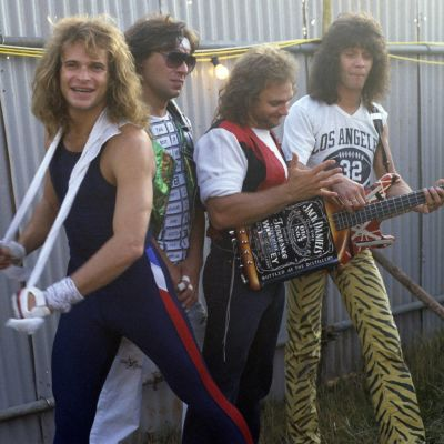 David Lee Roth, Alex Van Halen, Michael Anthony ja Eddie Van Halen Donington Rock Festivalilla 1984.