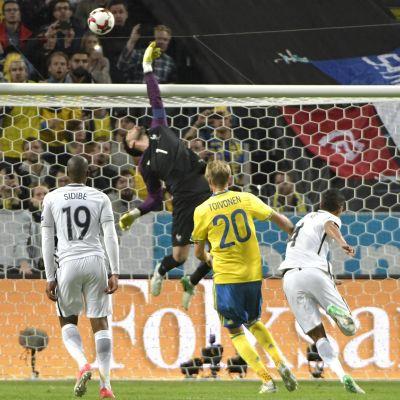 Ola Toivonen avgörs matchen med sitt 2–1-mål.