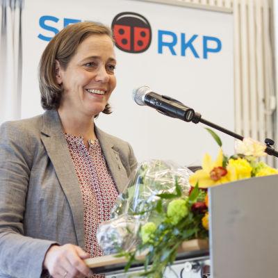 Mia Heijnsbroek-Wiren, SFP:s kretsordförande i Nyland