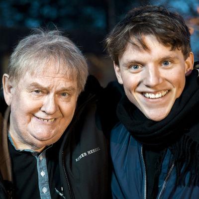 Skådespelaren Ole Thestrup tillsammans med konditor Tobias Hamann-Pedersen.