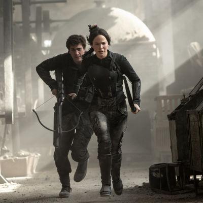 The Hunger Games Mockingjay Part 1, Jennifer Lawrence, Liam Hemsworth