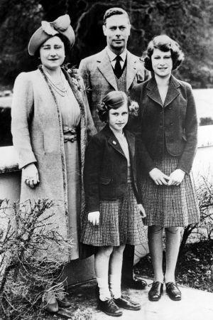 Kuningatar Elisabet perheineen viettää Skotlannin ylämailla aikaa kaukana kaikesta julkisuudesta.