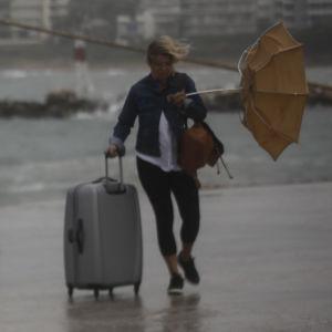Stormvindar i Rafina hamn nära Aten.