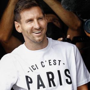 Lionel Messi saapui Pariisiin, 10.8.2021