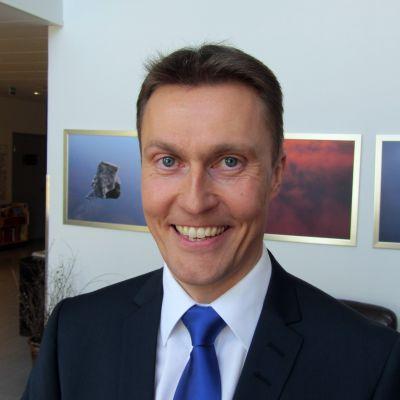 Kuvassa Osuuskauppa KPO:n toimitusjohtaja Kim Biskop.