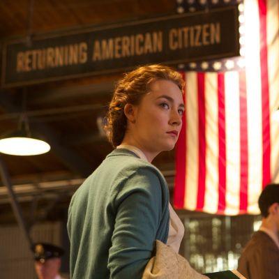 Saoirse Ronan i filmen Brooklyn