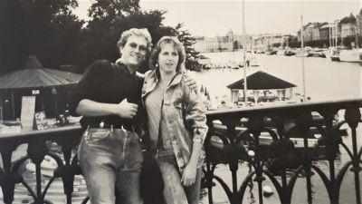 Klaus Schelkle och Bettina Taxis i Stockholm innande steg ombord på Viking Sally.