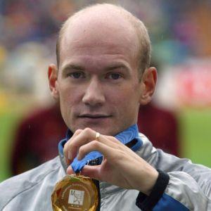 Janne Holmén med sitt EM-guld i maraton 2002.