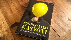 Kati Tiirikainen: Tunnistatko kasvot? Näin selviydyt kasvosokeana, Finn Lectura 2014