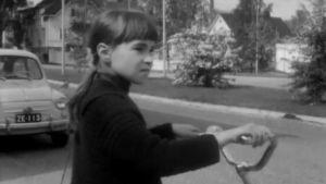 Barn med cykel, Yle 1963