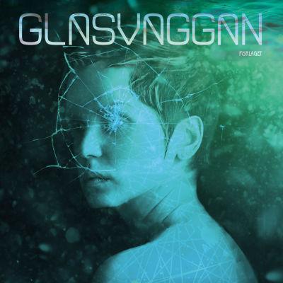 """Pärmen till Henna Johandotters roman """"Glasvaggan""""."""