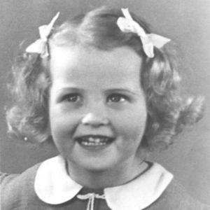 Mai Palmberg som liten i Åbo på 1940-talet.