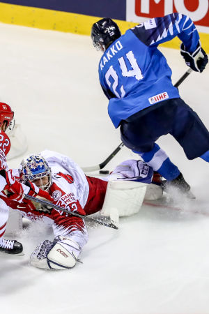 Kaapo Kakko kvitterar mot Danmark.