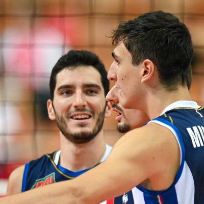 Italienarna firar i semifinalen mot Serbien.