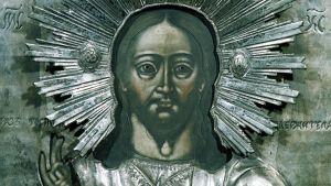 Kotkan ortodoksinen Pyhän Nikolain kirkko. Kotkan ortodoksinen kirkko. Jeesus  Kristus -aiheinen ikoni ja hopeinen riisa.