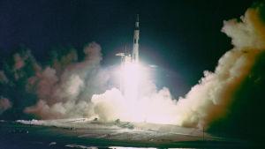 Apollo 17 lyfter från Cape Canaveral.