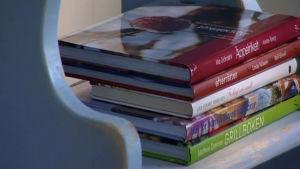 Böcker på trappstege