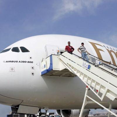 Emiratesin jumbojetin kärki