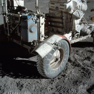 Jesustejp har använts till och med på månen