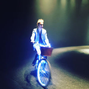 Eero Grundström pyöräilee