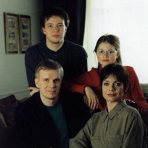 Kotikadun ensimmäinen tuotantokausi, Mäkimaan perhe