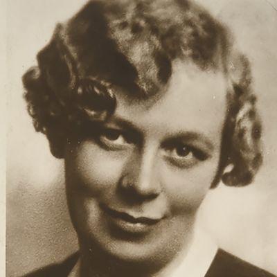 Kirjailija Hilja Valtonen
