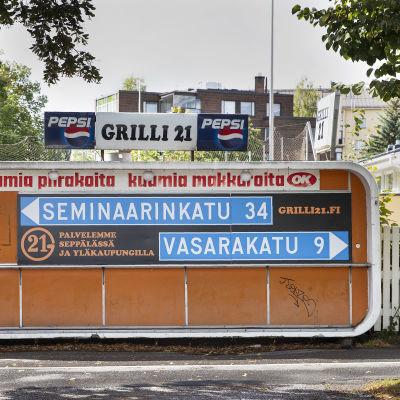 Suljettu grillikioski Grilli 21 Jyväskylässä.