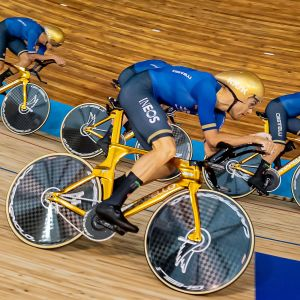 Italia voitti ratapyöräilyn joukkuetakaa-ajon maailmanmestaruuden Roubaix'ssa.