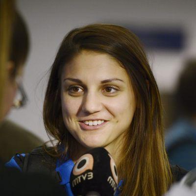 Nooralotta Neziri TV-haastattelussa.