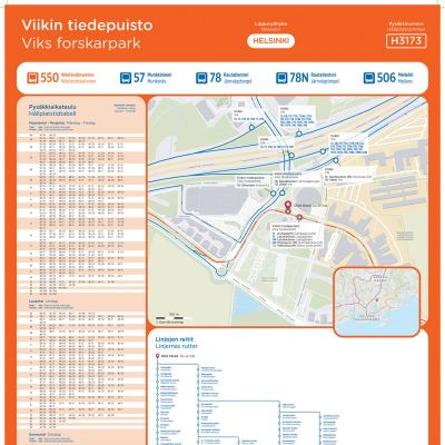 Informationsplansch för busshålplats H3137 i Helsingfors, Viks forskarpark. Visar hållplatsens tidtabell samt en omstigningskarta.