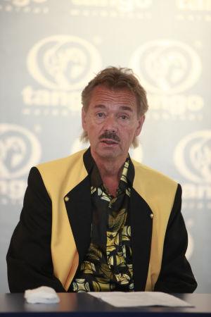 Martti Haapamäki on Seinäjoen Tangomarkkinoiden taiteellinen johtaja ja Tangolaulukilpailun tuomariston puheenjohtaja