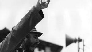 Kuuban pääministeri Fidel Castro pitää puhetta.